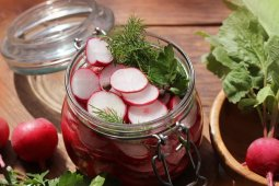 Overnight Chinese Radish Pickles