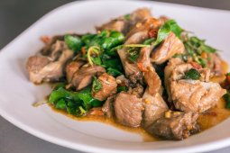 Spicy Basil Beef
